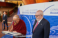 signature of the golden book of the president, Parliamentary Assembly with Mr Pedro Agramunt