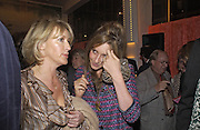 Lady Cosima Somerset and Kate Goldsmith, Tom Parker Bowles, Susan Hill and Matthew Rice host party to launch 'E is For Eating' Kensington Place. 3 November 2004.  ONE TIME USE ONLY - DO NOT ARCHIVE  © Copyright Photograph by Dafydd Jones 66 Stockwell Park Rd. London SW9 0DA Tel 020 7733 0108 www.dafjones.com