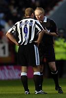 Fotball<br /> Premier League 2004/05<br /> Charlton v Newcastle<br /> 17. oktober 2004<br /> Foto: Digitalsport<br /> NORWAY ONLY<br /> Shearer starts game as number nine but ends wth number 18