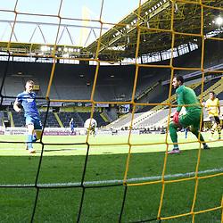 27.06.2020, xmeix, 1.Fussball Bundesliga, Borussia Dortmund - TSG 1899 Hoffenheim, empor. v.l.n.r, <br /> das 0:2 für Hoffenheim durch Andrej Kramaric (TSG 1899 Hoffenheim)  gegen Roman Buerki (Borussia Dortmund)<br /> <br /> <br /> <br /> Foto: Sascha Meiser/APF/Pool/PIX-Sportfotos<br /> <br /> Nur für journalistische Zwecke!<br /> Only for editorial use!<br /> Nutzungsbedingungen: http://poolbilder.de/nutzungsvereinbarung.pdf<br /> <br /> Foto © PIX-Sportfotos *** Foto ist honorarpflichtig! *** Auf Anfrage in hoeherer Qualitaet/Aufloesung. Belegexemplar erbeten. Veroeffentlichung ausschliesslich fuer journalistisch-publizistische Zwecke. For editorial use only. DFL regulations prohibit any use of photographs as image sequences and/or quasi-video.