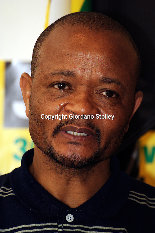 DURBAN - 4 Setember 2006 - Senzo Mchunu, the KwaZulu-Natal secretary general of South Africa's ruling African National Congress speaks to the press about measures of support for former deputy president Jacob Zuma who was set to appear in court on Tuesday .Picture: Giordano Stolley