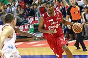 DESCRIZIONE : Varese Lega A 2013-14 Cimberio Varese vs Grissin Bon Reggio Emilia <br /> GIOCATORE : White<br /> CATEGORIA : Palleggi<br /> SQUADRA : Reggio Emilia<br /> EVENTO : Campionato Lega A 2013-2014<br /> GARA : Cimberio Varese Grissin Bon Reggio Emilia<br /> DATA : 13/10/2013<br /> SPORT : Pallacanestro <br /> AUTORE : Agenzia Ciamillo-Castoria/I.Mancini<br /> Galleria : Lega Basket A 2012-2013  <br /> Fotonotizia : Cimberio Varese  Lega A 2013-14 Cimberio Varese vs Grissin Bon Reggio Emilia<br /> Predefinita :