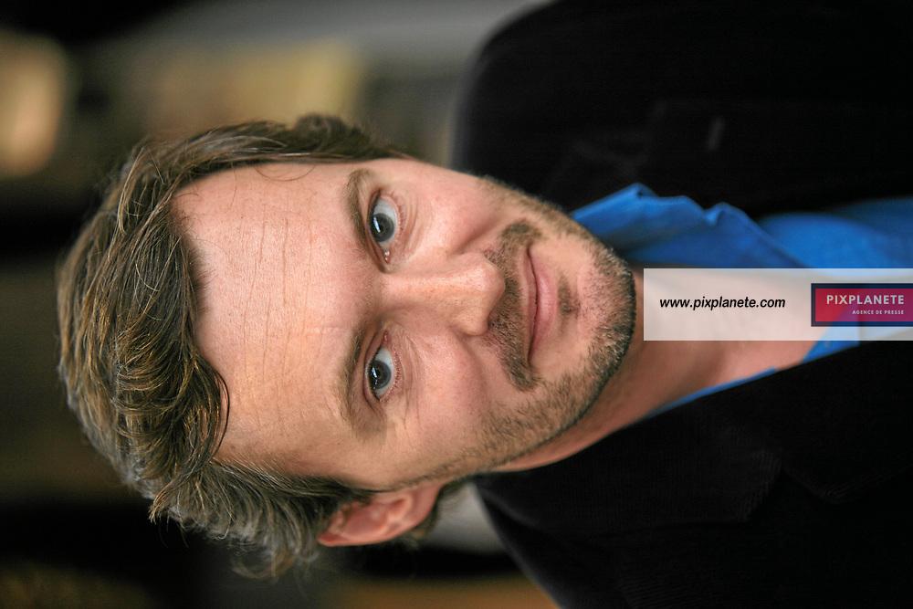 Régis Descott - Salon du livre - Paris, le 25/03/2007 - JSB / PixPlanete