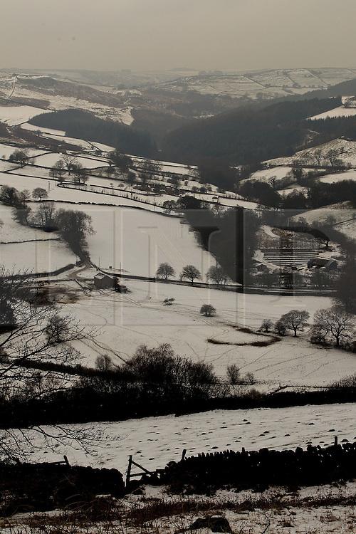 © Licensed to London News Pictures. 10/02/2012. Derbyshire, UK. The landscape across the Peak District is frozen in sub-zero termparates. Photo credit : Joel Goodman/LNP