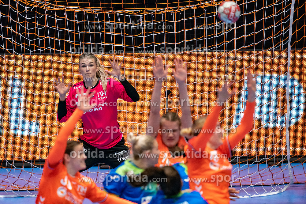 Tess Wester of Netherlands in action during the Women's friendly match between Netherlands and Slovenia at De Maaspoort on march 19, 2021 in Den Bosch, Netherlands (Photo by RHF Agency/Ronald Hoogendoorn)