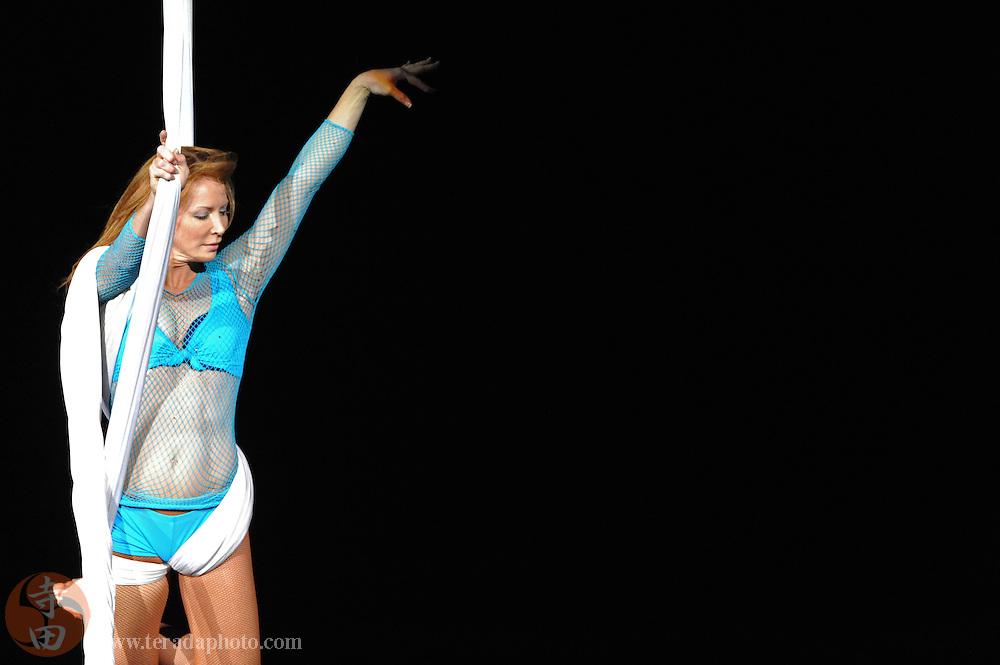Sep 21, 2008; San Jose, CA, USA; Mam Smith performs during the 2008 Tour of Gymnastics Superstars post-Beijing Olympic tour at HP Pavilion in San Jose, CA. Mandatory Credit: Kyle Terada-Terada Photo