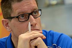 03-12-2013 VOLLEYBAL: PERSCONFERENTIE ORANJE MANNEN: NIEUWEGEIN<br /> Coach Edwin Benne en directeur Michel Everaert geven uitleg over de delectie en werkwjze voor het WK kwalificatie / Edwin Benne<br /> ©2013-FotoHoogendoorn.nl