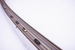 THEMENBILD - Fahrzeuge auf einer Brücke über den Mjosa-See, aufgenommen am 12. Maerz 2019 in Lillehammer, Norwegen // Cars driving on a bridge over the Lake Mjosa , Lillehammer, Norway on 2018/03/12. EXPA Pictures © 2019, PhotoCredit: EXPA/ JFK