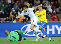 Fotball<br /> Brasil v USA<br /> Foto: Witters/Digitalsport<br /> NORWAY ONLY<br /> <br /> 28.06.2009<br /> <br /> v.l. Torwat Julio Cesar, Oguchi Onyewo, Luis Fabiano (Brasilien)<br /> Fussball Confederations Cup 2009 in Suedafrika, Finale USA - Brasilien