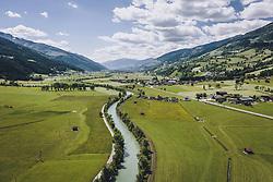 THEMENBILD - Oberpinzgau mit der Salzach, aufgenommen am 01. Juni 2020 in Niedernsill, Österreich // the Oberpinzgau with the Salzach, Niedernsill, Austria on 2020/06/01. EXPA Pictures © 2020, PhotoCredit: EXPA/ JFK