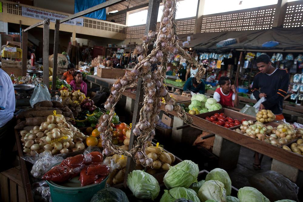 Aracuai_MG, 04 de Agosto de 2007...Projeto Beira de Estrada..Rota Vale do Jequitinhonha e Mucuri..Na foto, Mercado Central de Aracuai...Foto: LEO DRUMOND / NITRO