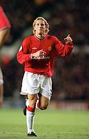 Fotball: Diego Forlan, Manchester United, Manchester United v Nantes, UEFA Champions League, 26.02.2002. <br />Foto: Matthew Impey, Digitalsport
