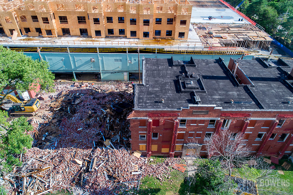 Demolition of Knickerbocker Apartments in Kansas City Missouri, July 2020.
