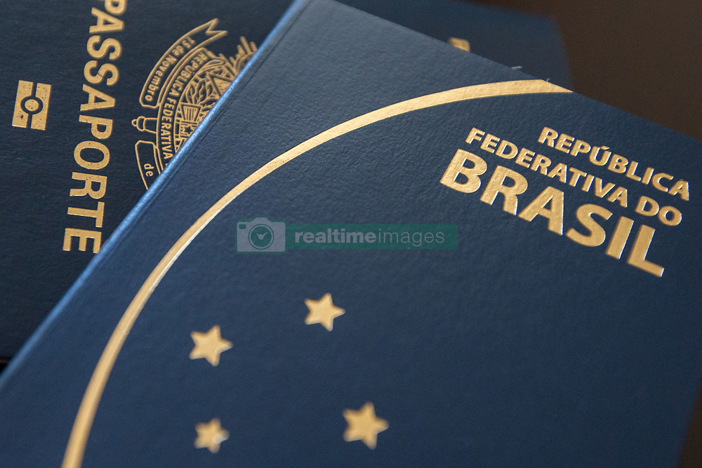 June 28, 2017 - Sao Paulo, Brazil - The Federal Police of Brazil has suspended the issuing of passports requested from this Tuesday, 27, due to budget problems..As the PF (Federal Police) also reported on Tuesday night, it ''arises from the failure of the budget for migration control activities and issuance of travel documents.'' In 2016, 2,249,790 passports were issued, 49,592 less than the previous year. (Credit Image: © Paulo Lopes via ZUMA Wire)