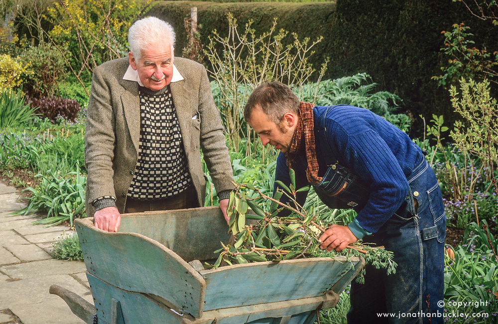 Christopher Lloyd and Fergus Garrett in front of the long border at Great Dixter