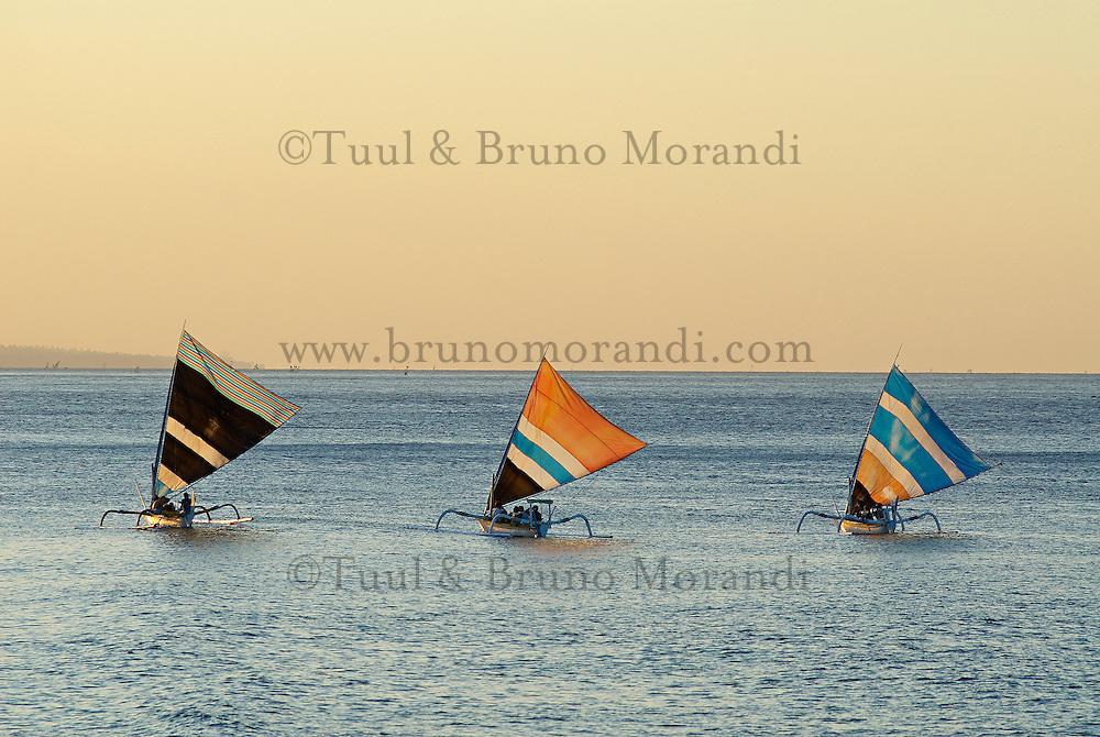 Indonesie, Bali, Plage de Amed, Retour des bateau de peche traditionnel // Indonesia, Bali, Amed beach, Fishing boat