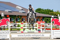 09, Youngster-Springprfg. Kl. M**  6-8j. Pferde,, Ehlersdorf, Reitanlage Jörg Naeve, 15. - 18.07.2021, Laura Jane Hackbarth (GER), My Mister,