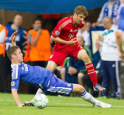 19.05.2012, Allianz Arena, Muenchen, GER, UEFA CL, Finale, FC Bayern Muenchen (GER) vs FC Chelsea (ENG), im Bild Zweikampf zwischen Gary Cahill, (FC Chelsea, #24) und Thomas Mueller, (FC Bayern München #25) during the Final Match of the UEFA Championsleague between FC Bayern Munich (GER) vs Chelsea FC (ENG) at the Allianz Arena, Munich, Germany on 2012/05/19. EXPA Pictures © 2012, PhotoCredit: EXPA/ Peter Rinderer