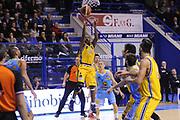 DESCRIZIONE : Porto San Giorgio Lega A 2013-14 Sutor Montegranaro Vanoli Cremona<br /> GIOCATORE : Josh Mayo<br /> CATEGORIA : tiro penetrazione<br /> SQUADRA : Sutor Montegranaro<br /> EVENTO : Campionato Lega A 2013-2014<br /> GARA : Sutor Montegranaro Vanoli Cremona<br /> DATA : 12/01/2014<br /> SPORT : Pallacanestro <br /> AUTORE : Agenzia Ciamillo-Castoria/C.De Massis<br /> Galleria : Lega Basket A 2013-2014  <br /> Fotonotizia : Porto San Giorgio Lega A 2013-14 Sutor Montegranaro Vanoli Cremona<br /> Predefinita :