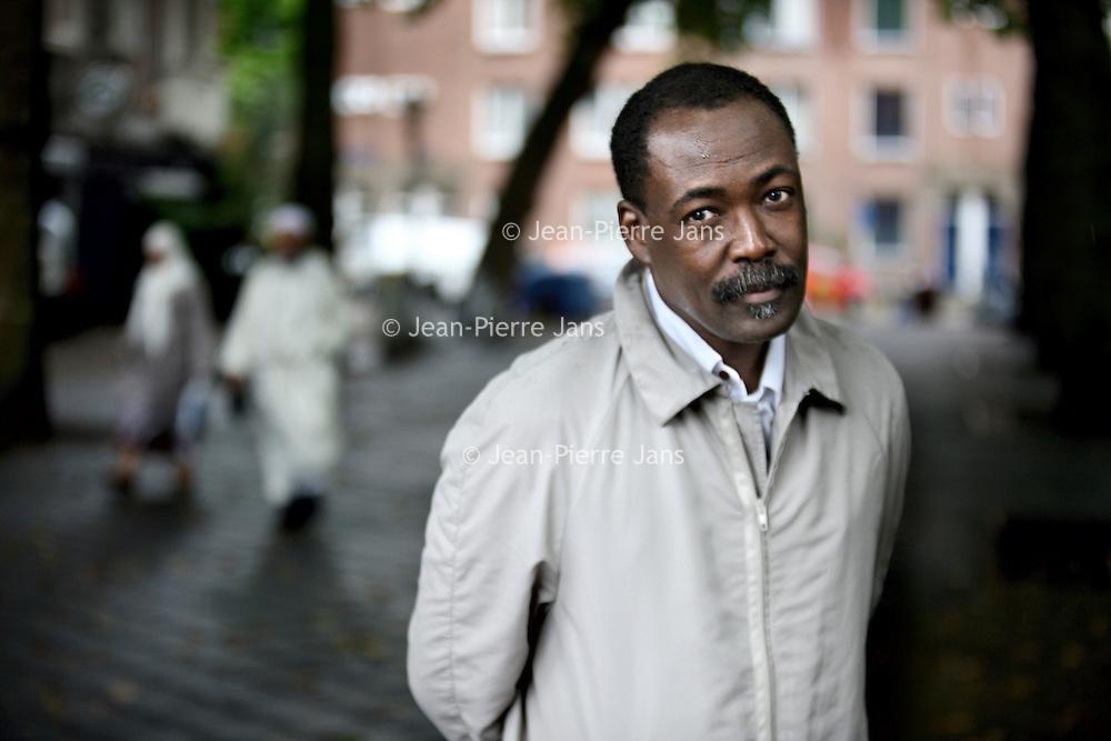 Nederland, Amsterdam , 13 augustus 2010.Mahamat-Saleh Haroun, filmregisseur uit Tsjaad die sinds 1982 in Frankrijk leeft..Mahamat-Saleh Haroun from Chad filmmaker and director who lives in France since 1982.