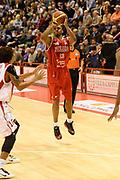 DESCRIZIONE : Pistoia Lega serie A 2013/14  Giorgio Tesi Group Pistoia Pesaro<br /> GIOCATORE : Young Alvin<br /> CATEGORIA : tiro tre punti<br /> SQUADRA : Pesaro Basket<br /> EVENTO : Campionato Lega Serie A 2013-2014<br /> GARA : Giorgio Tesi Group Pistoia Pesaro Basket<br /> DATA : 24/11/2013<br /> SPORT : Pallacanestro<br /> AUTORE : Agenzia Ciamillo-Castoria/M.Greco<br /> Galleria : Lega Seria A 2013-2014<br /> Fotonotizia : Pistoia  Lega serie A 2013/14 Giorgio  Tesi Group Pistoia Pesaro Basket<br /> Predefinita :