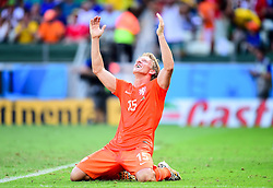 29.06.2014, Castelao, Fortaleza, BRA, FIFA WM, Niederlande vs Mexico, Achtelfinale, im Bild Dirk Kuyt (Niederlande) jubelt // during last sixteen match between Netherlands and Mexico of the FIFA Worldcup Brazil 2014 at the Castelao in Fortaleza, Brazil on 2014/06/29. EXPA Pictures © 2014, PhotoCredit: EXPA/ fotogloria/ Best Photo Agency<br /> <br /> *****ATTENTION - for AUT, FRA, POL, SLO, CRO, SRB, BIH, MAZ only*****