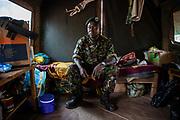 Ancien chasseur d'éléphants devenu éco-garde à Chinko, Bienvenue Ndonondo se considère aujourd'hui comme «un soldat au service de la nature».