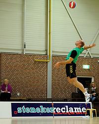 27-10-2012 VOLLEYBAL: VV ALTERNO - E DIFFERENCE SSS: APELDOORN<br /> Eerste divisie A mannen - Alterno wint met 4-0 van SSS / Rene van der Mark<br /> ©2012-FotoHoogendoorn.nl