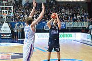 DESCRIZIONE : Cantu, Lega A 2015-16 Acqua Vitasnella Cantu'  Manital Auxilium Torino<br /> GIOCATORE : Dejan Ivanov<br /> CATEGORIA : Tiro<br /> SQUADRA : Manital Auxilium Torino<br /> EVENTO : Campionato Lega A 2015-2016<br /> GARA : Acqua Vitasnella Cantu'  Manital Auxilium Torino<br /> DATA : 24/10/2015<br /> SPORT : Pallacanestro <br /> AUTORE : Agenzia Ciamillo-Castoria/I.Mancini<br /> Galleria : Lega Basket A 2015-2016 <br /> Fotonotizia : Cantu'  Lega A 2015-16 Acqua Vitasnella Cantu' Manital Auxilium Torino<br /> Predefinita :