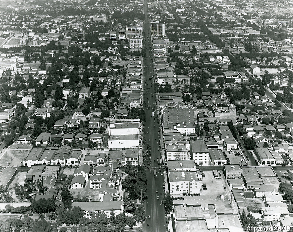 1924 Looking east down Hollywood Blvd. near Highland Ave.