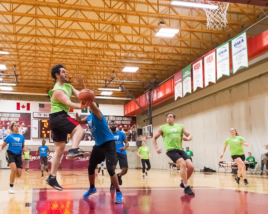 uOttawa Intramurals Basketball<br /> <br /> March 17, 2018<br /> <br /> Photo: Steve Kingsman for uOttawa