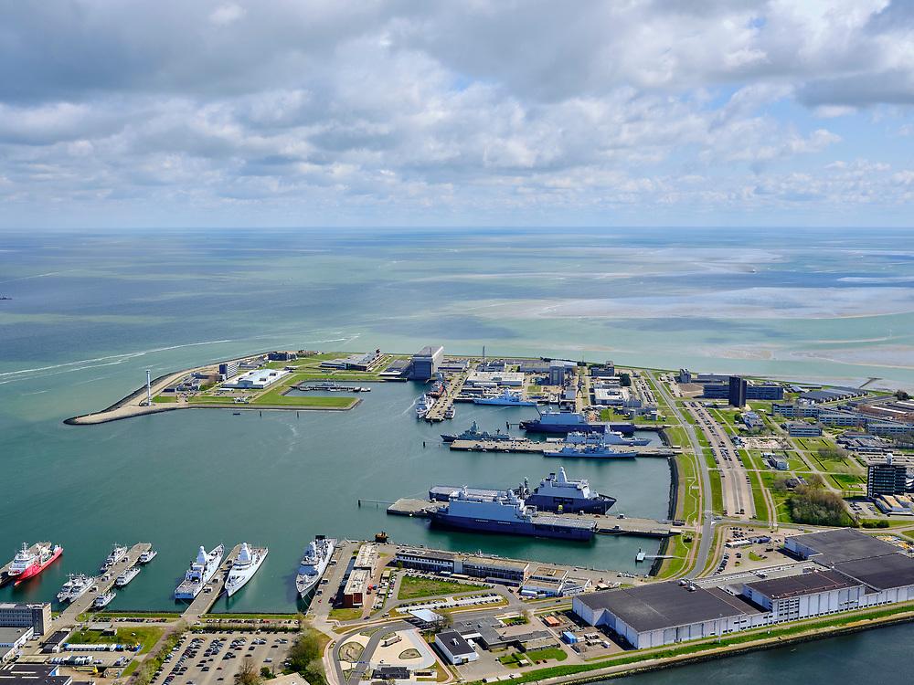 Nederland, Noord-Holland, gemeente Den Helder, 07-05-2021; Koninklijke Marine, de Nieuwe Haven.<br /> Royal Navy, the Nieuwe Haven (New Harbour).<br /> <br /> luchtfoto (toeslag op standard tarieven);<br /> aerial photo (additional fee required)<br /> copyright © 2021 foto/photo Siebe Swart