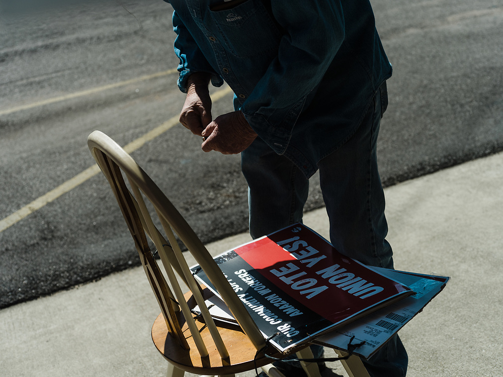 BIRMINGHAM, AL – MARCH 20, 2021: Volunteers and member union organizers with the RWDSU prepare signs outside the Union Hall in Birmingham's Southside, where Amazon employees are organizing for the Retail Wholesale and Department Store Union. If union organizers are successful, the BHM1 fulfillment center in Bessemer will become the first unionized Amazon warehouse in the country. CREDIT: Bob Miller for Le Monde