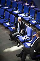DEU, Deutschland, Germany, Berlin, 05.11.2020: Ralph Brinkhaus, Vorsitzender der CDU/CSU-Bundestagsfraktion, im Gespräch mit Hermann Gröhe (CDU) im Plenarsaal des Deutschen Bundestags.