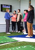 DELFT - Golfclinic door golfpro Helen Reid, op golfbaan Delfland. COPYRIGHT KOEN SUYK