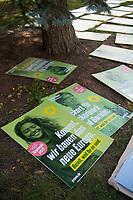 DEU, Deutschland, Germany, Eberswalde, 10.08.2021: Plakate der Grünen bei einer Plakatieraktion.