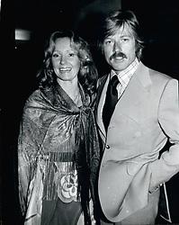 Nov. 11, 1974 - Lola And Robert Redford (Credit Image: © Keystone Press Agency/Keystone USA via ZUMAPRESS.com)