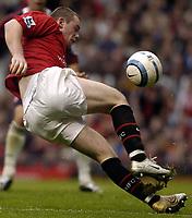 Fotball<br /> Premier League 2004/05<br /> Manchester United v Middlesbrough<br /> 3. oktober 2004<br /> Foto: Digitalsport<br /> NORWAY ONLY<br /> Wayne Rooney's foot slips beneath him as he lines up a close range shot