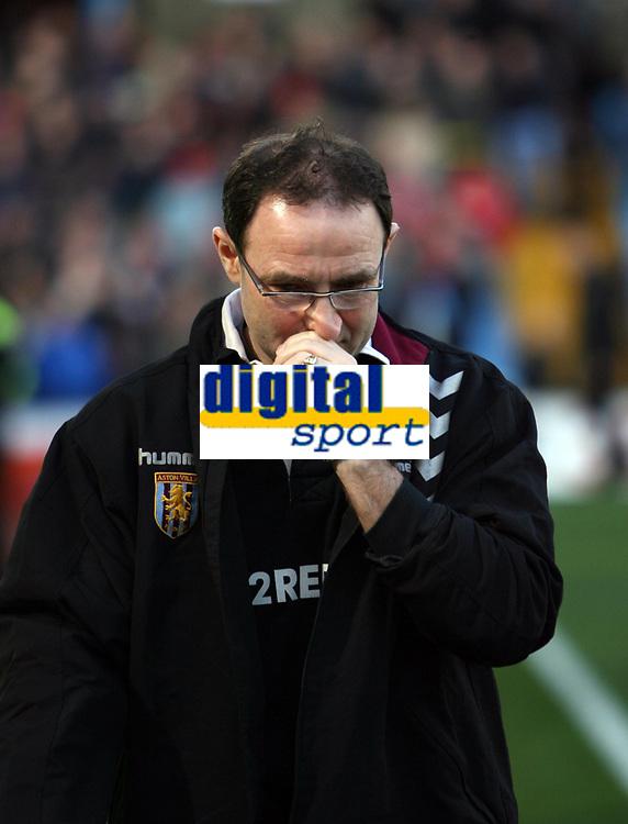 Photo: Rich Eaton.<br /> <br /> Aston Villa v Liverpool. The Barclays Premiership. 18/03/2007. Villa manager Martin O'Neill looks pensive before kick off