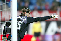 LEO FRANCO, Argentinian Football player and Atletico goalkeeper, points out with his finger. Atletico de Madrid - Seville / League 2004-05. Vicente Calderon Stadium, Madrid. 05-03-2005.<br /> Norway only
