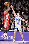 DESCRIZIONE : Campionato 2014/15 Serie A Beko Dinamo Banco di Sardegna Sassari - Giorgio Tesi Group Pistoia<br /> GIOCATORE : Landon Milbourne<br /> CATEGORIA : Tiro Tre Punti Controcampo<br /> SQUADRA : Giorgio Tesi Group Pistoia<br /> EVENTO : LegaBasket Serie A Beko 2014/2015 <br /> GARA : Dinamo Banco di Sardegna Sassari - Giorgio Tesi Group Pistoia<br /> DATA : 01/02/2015 <br /> SPORT : Pallacanestro <br /> AUTORE : Agenzia Ciamillo-Castoria/C.Atzori <br /> Galleria : LegaBasket Serie A Beko 2014/2015