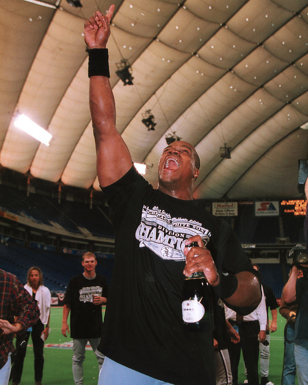 MINNEAPOLIS, MN - SEPTEMBER 29: Frank Thomas of the Chicago White Sox celebrates after the White Sox clinched the American League Central, defeating the Minnesota Twins at the Humbert H. Humphrey Metrodome in Minneapolis, Minnesota on September 29, 2000. (Photo by Ron Vesely) Subject:   Frank Thomas