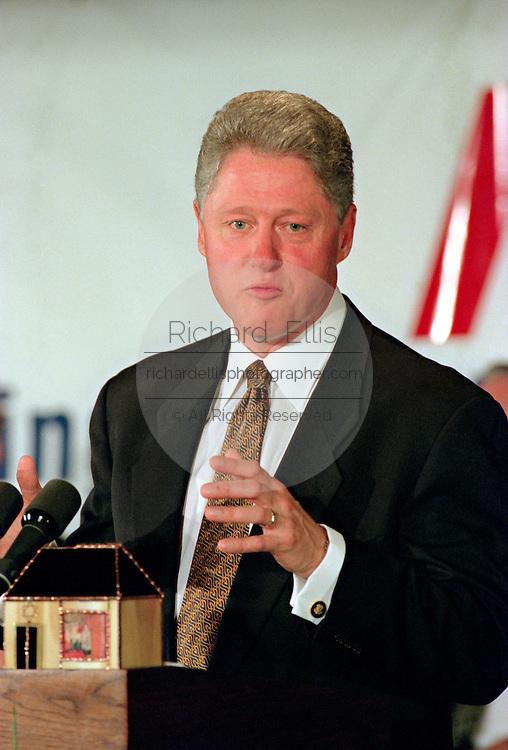 US President Bill Clinton addresses the National Jewish Democratic Council November 2, 1995 in Washington, DC.
