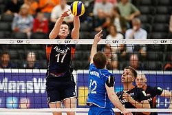 20170524 NED: 2018 FIVB Volleyball World Championship qualification, Koog aan de Zaan<br />Michael Parkinson (17) of The Netherlands <br />©2017-FotoHoogendoorn.nl / Pim Waslander