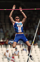 Dean Macey (GBR) in action during the Decathlon Pole Vault. Athletics, Athens Olympics, 24/08/2004. Credit: Colorsport / Matthew Impey DIGITAL FILE ONLY