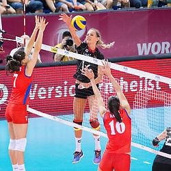 18.07.2015, Porsche-Arena, Stuttgart, GER, FIVB World Grand Prix, Deutschland vs Serbien, im Bild Angriff Margareta Kozuch #14 (Deutschland/Germany) // during the FIVB World Grand Prix Match Germany vs Serbia Porsche-Arena in Stuttgart, Germany on 2015/07/18. EXPA Pictures © 2015, PhotoCredit: EXPA/ Eibner-Pressefoto/ Wuechner<br /> <br /> *****ATTENTION - OUT of GER*****