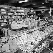 Moll supermarkt Huizerweg Bussum int