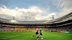27-04-2008 VOETBAL: KNVB BEKERFINALE FEYENOORD - RODA JC: ROTTERDAM <br /> Feyenoord wint de KNVB beker - Roy Makaay en Bram Castro<br /> ©2008-WWW.FOTOHOOGENDOORN.NL