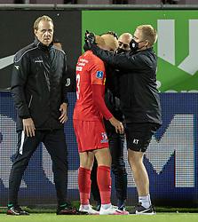 Ulrik Yttergård Jenssen (FC Nordsjælland) får bandage om hovedet under kampen i 3F Superligaen mellem FC Nordsjælland og Randers FC den 19. oktober 2020 i Right to Dream Park, Farum (Foto: Claus Birch).