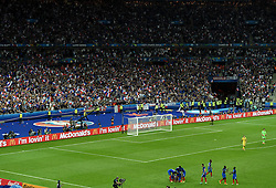 France fans and players celebrate the winning goal from Dimitri Payet of France  - Mandatory by-line: Joe Meredith/JMP - 10/06/2016 - FOOTBALL - Stade de France - Paris, France - France v Romania - UEFA European Championship Group A